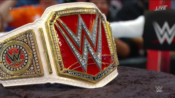 New WWE Women's Championship Debuts At WrestleMania 32 - 2016