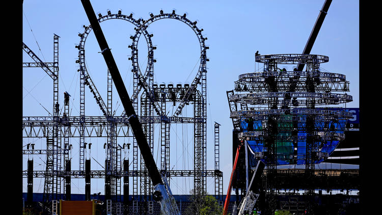 Photo of the Roller Coaster At WrestleMania 33 - 5