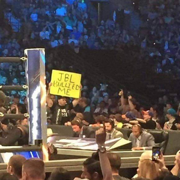 Fan Shows Up On SmackDown Live With A JBL Bulled Me Sign