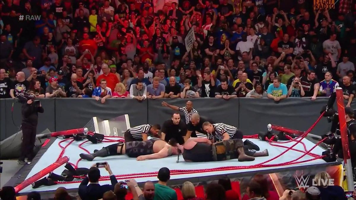 Ring breaks down on Raw during Braun Strowman vs. Big Show match
