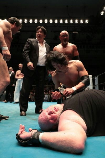Vader passes out after a match in Japan