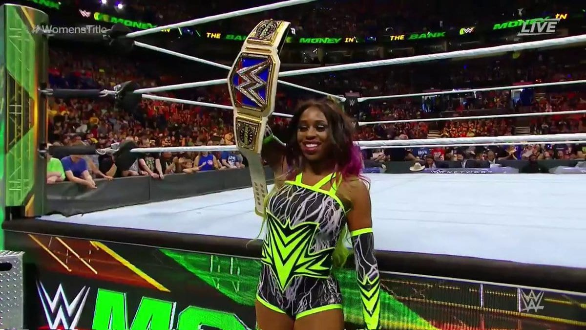 Naomi defeats Lana at Money in the Bank 2017 PPV to retain the SmackDown Women's Championship