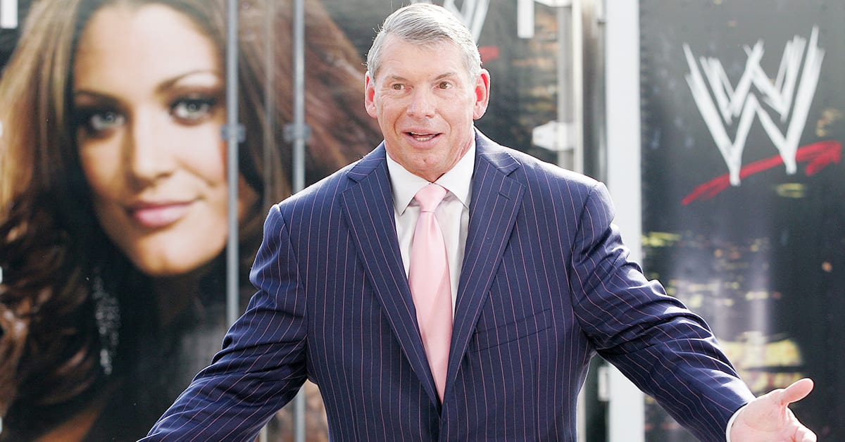 Vince McMahon Eve Torres Face Shot On The Production Truck In The Background
