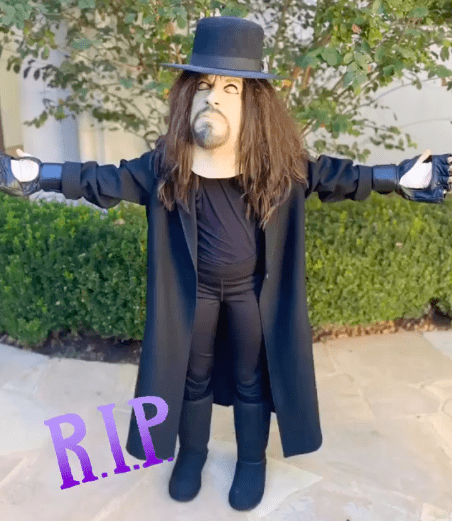 The Undertaker's Daughter Kaia Dresses Up As Her Father For Halloween 2020 - 3