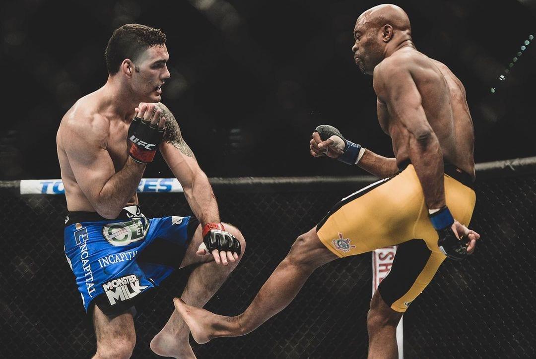 Anderson Silva Breaks His Leg Against Chris Weidman UFC