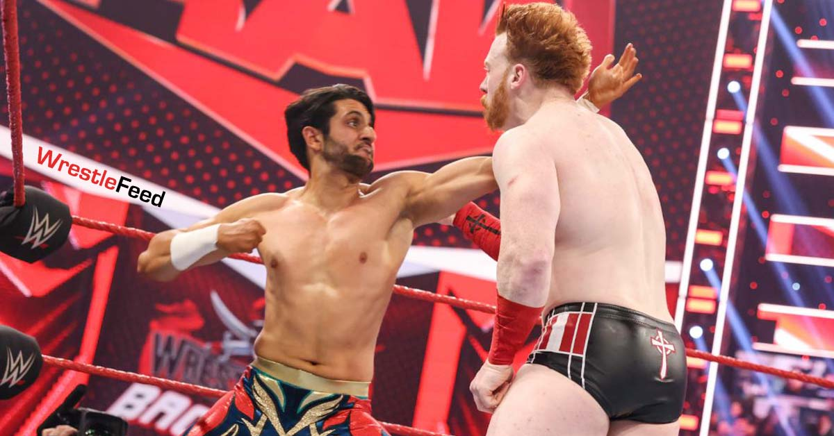 Mansoor Punches Sheamus WWE RAW WrestleFeed App